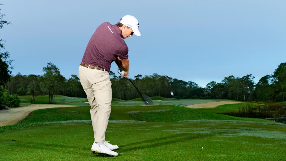 Kevin-Kisner-windy-conditions-hook-wind.jpg