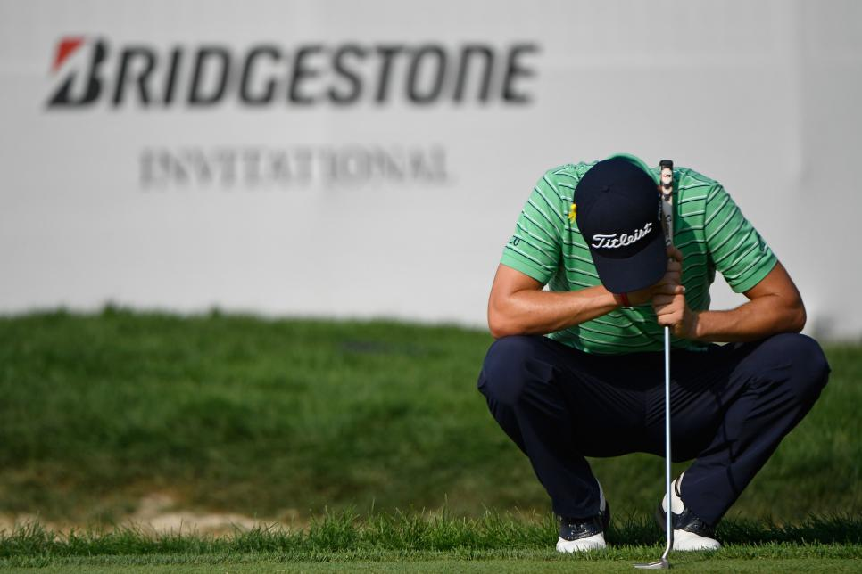 justin-thomas-wgc-bridgestone-2018-sunday-head-down-emotional-18th.jpg