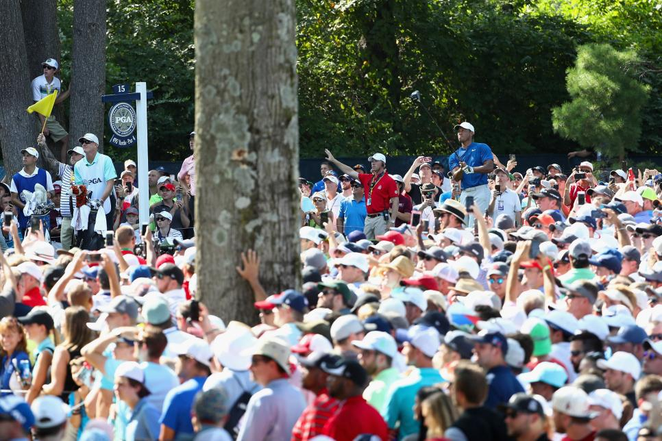 tiger-woods-2018-pga-championship-saturday-crowds.jpg
