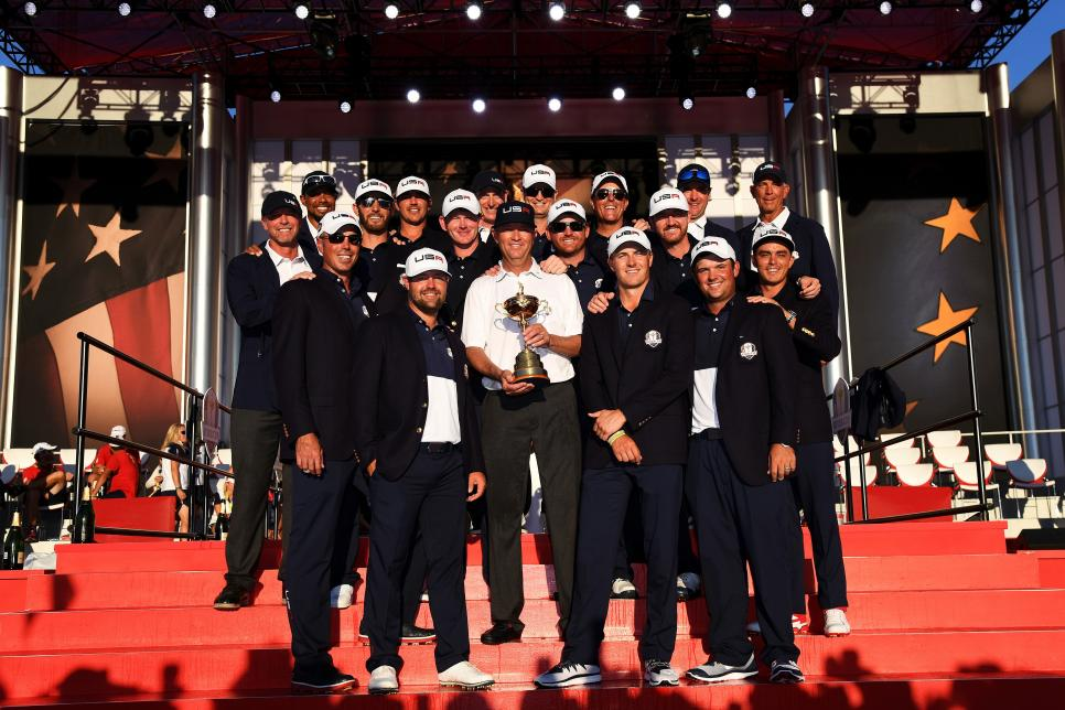 us-ryder-cup-team-2016-victory-closing-ceremony.jpg