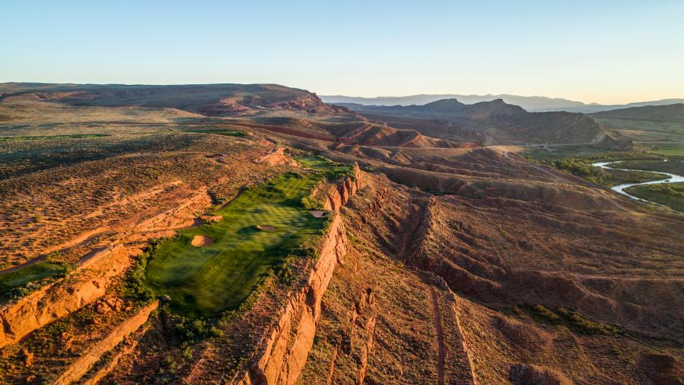 Sand-Hollow-Resort-13th-hole.jpg