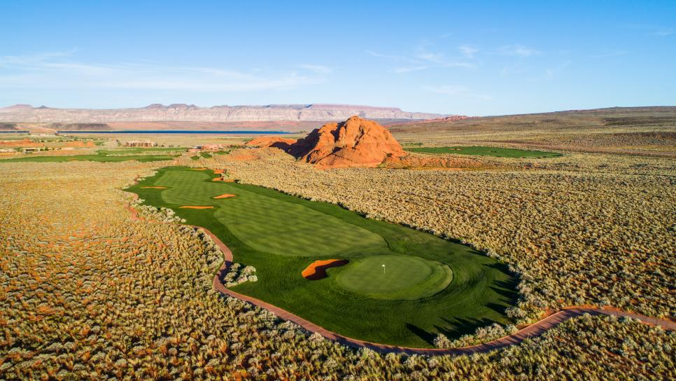 Sand-Hollow-Resort-10th-hole.jpg