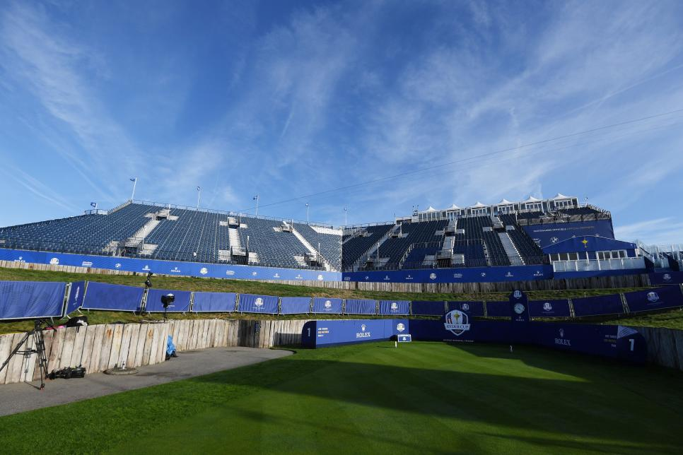 first-tee-grandstand-ryder-cup-front-2018-le-golf-national.jpg