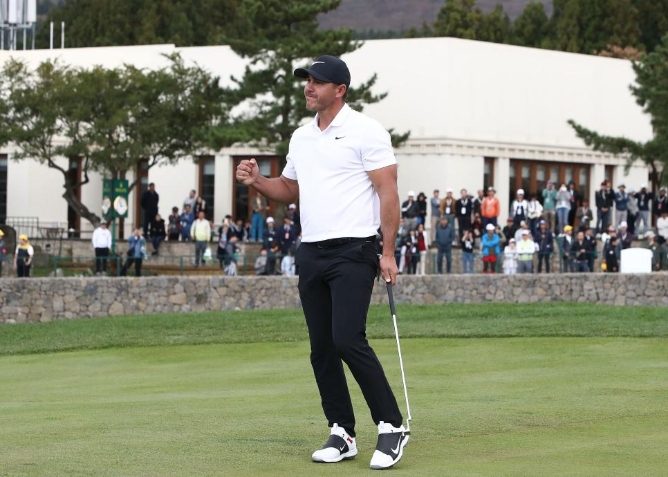 brooks-koepka-cj-cup-2018-sunday-winning-putt.jpg