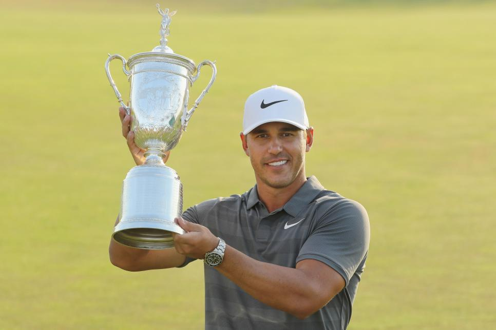 brooks-koepka-us-open-2018-trophy.jpg