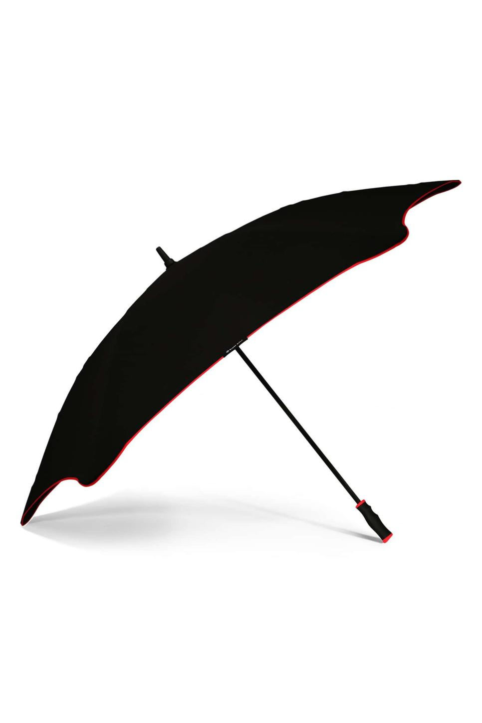 Blunt Golf Umbrella.jpeg