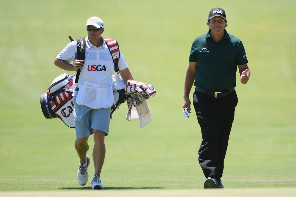 phil-mickelson-us-open-2018-saturday-walking-caddie.jpg