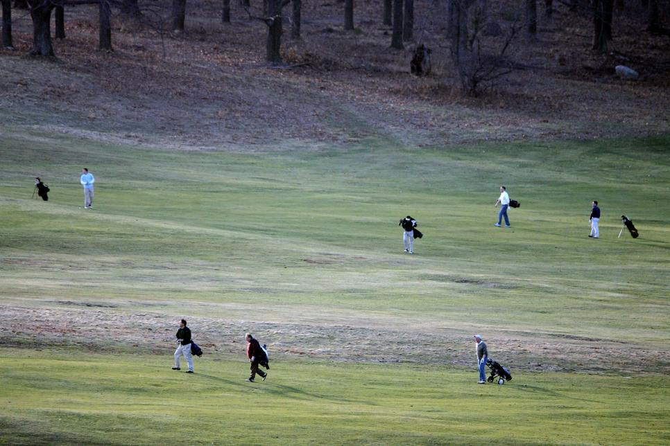 golfers-playing-on-warm-december-day.jpg