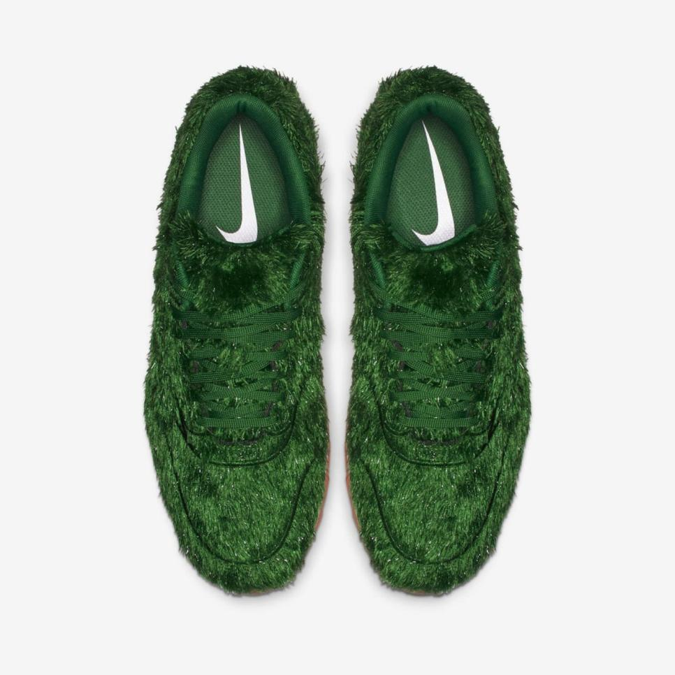 nike-air-max-1-golf-grass-top.jpeg