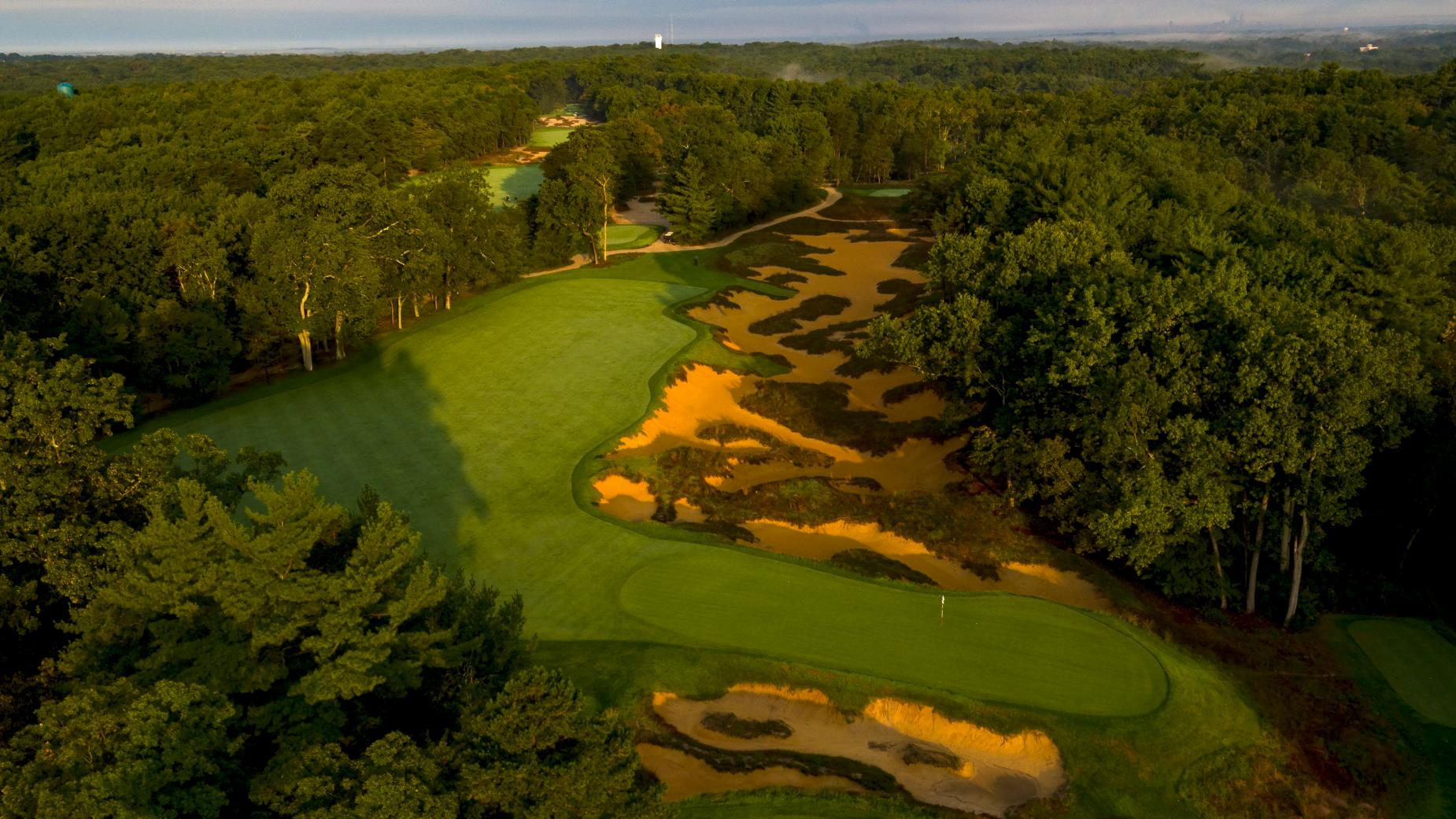 Pine Valley 12th hole.jpg
