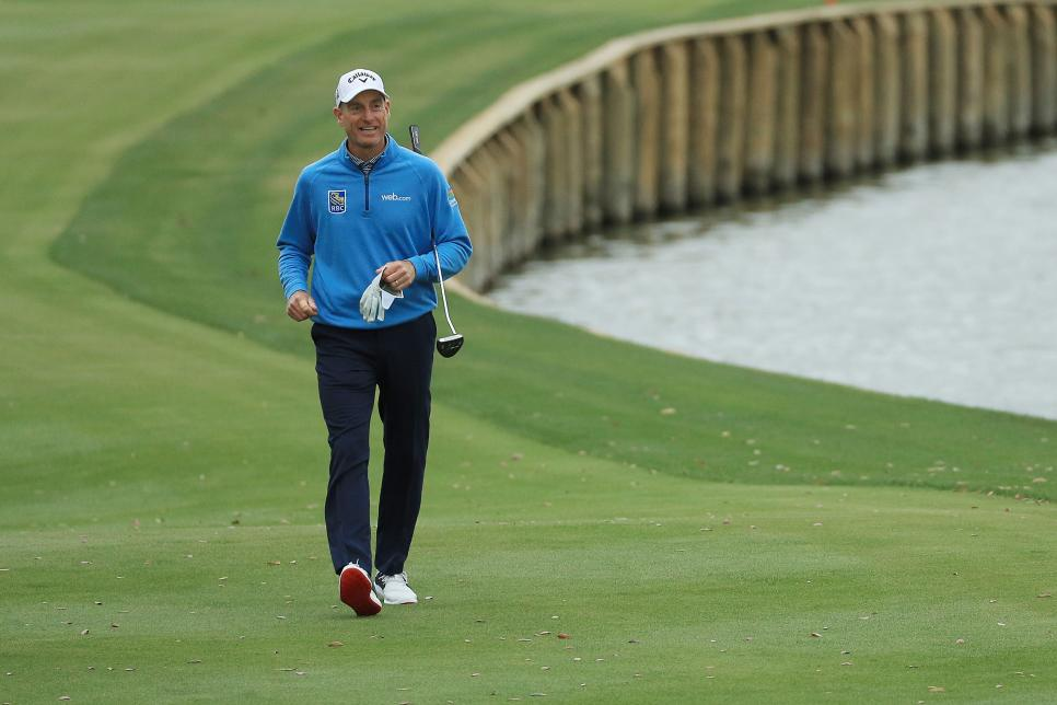 jim-furyk-players-championship-2019-sunday-walking-up-18.jpg