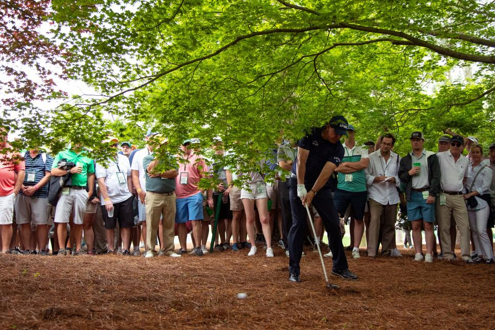 phil-mickelson-masters-2019-friday-from-trees.jpg