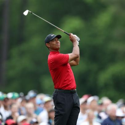 Golf, sports world react to Tiger Woods' car accident