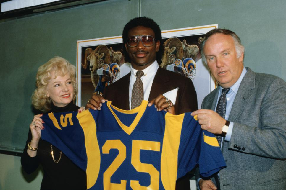 Football Player Eric Dickerson Posing with Ram's Owner and Coach