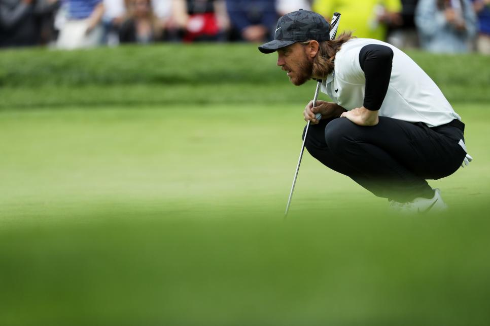tommy-fleetwood-pga-championship-2019-thursday-putting.jpg