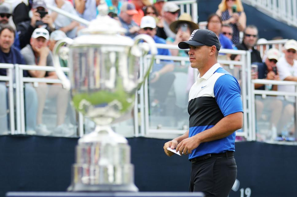 brooks-koepka-pga-championship-2019-sunday-trophy-start-of-round.jpg