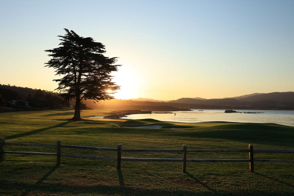 pebble-beach-18th-hole-beauty-shot.jpg