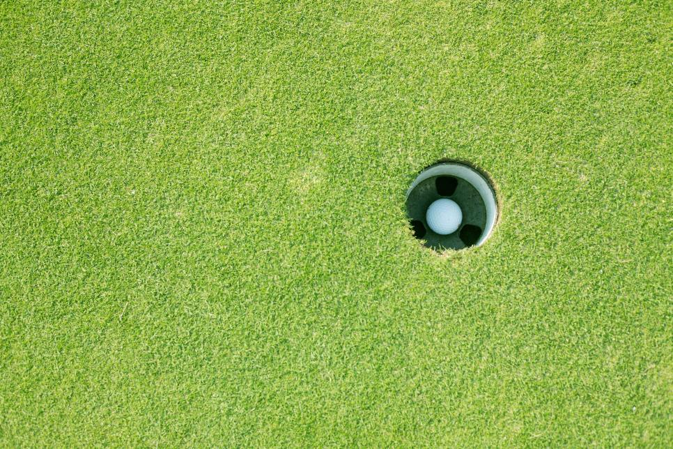 hole-in-one-photo-ball-in-hole.jpg