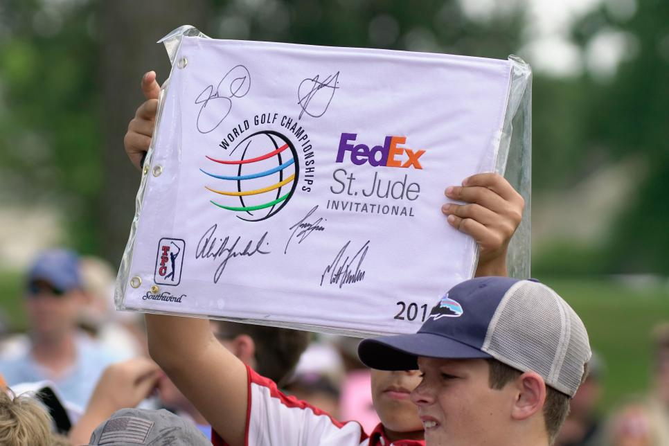 fedex-st-jude-2019-signed-flag.jpg