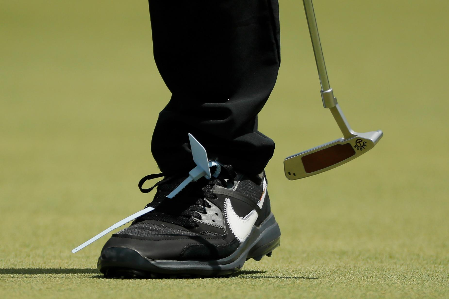 brooks golf shoes