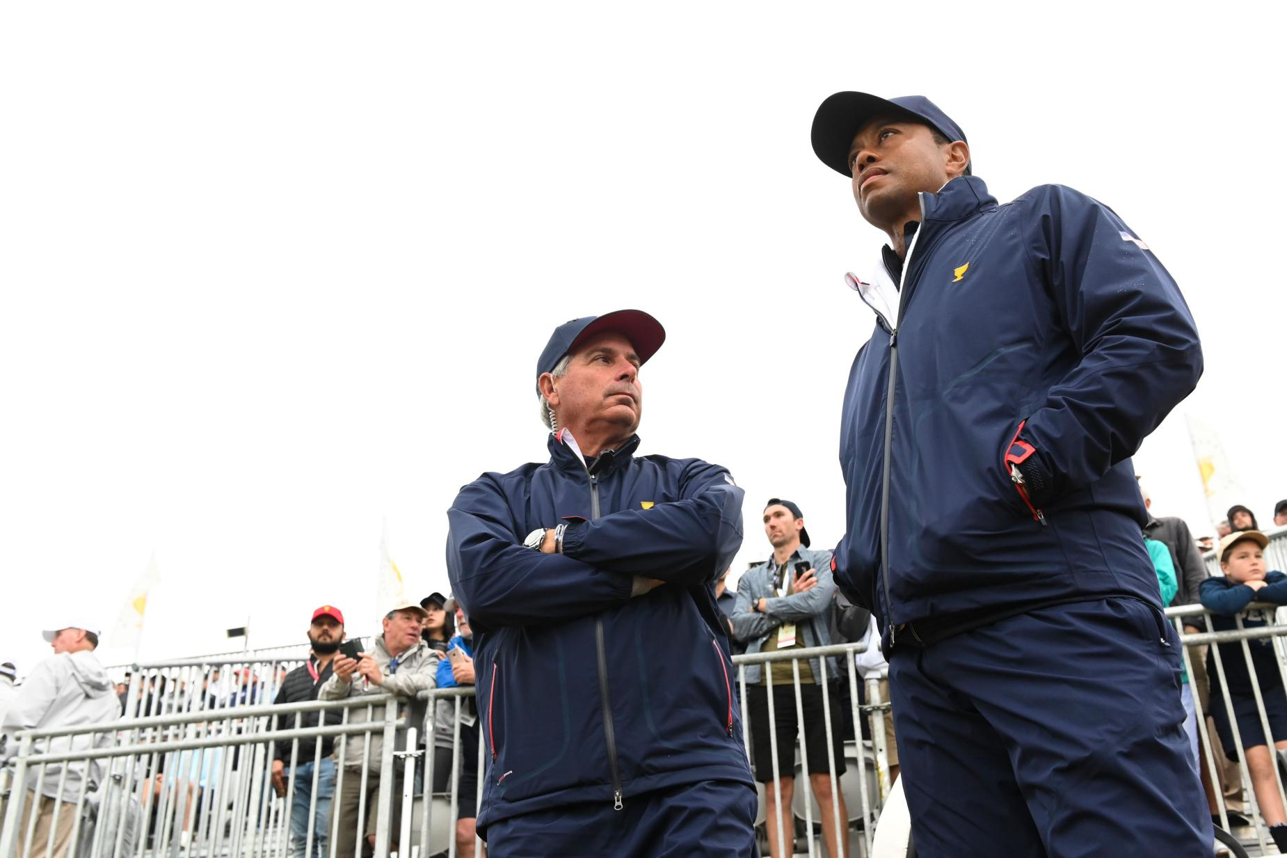 tiger-woods-fred-couples-presidents-cup-2019-saturday-morning-watching.jpg