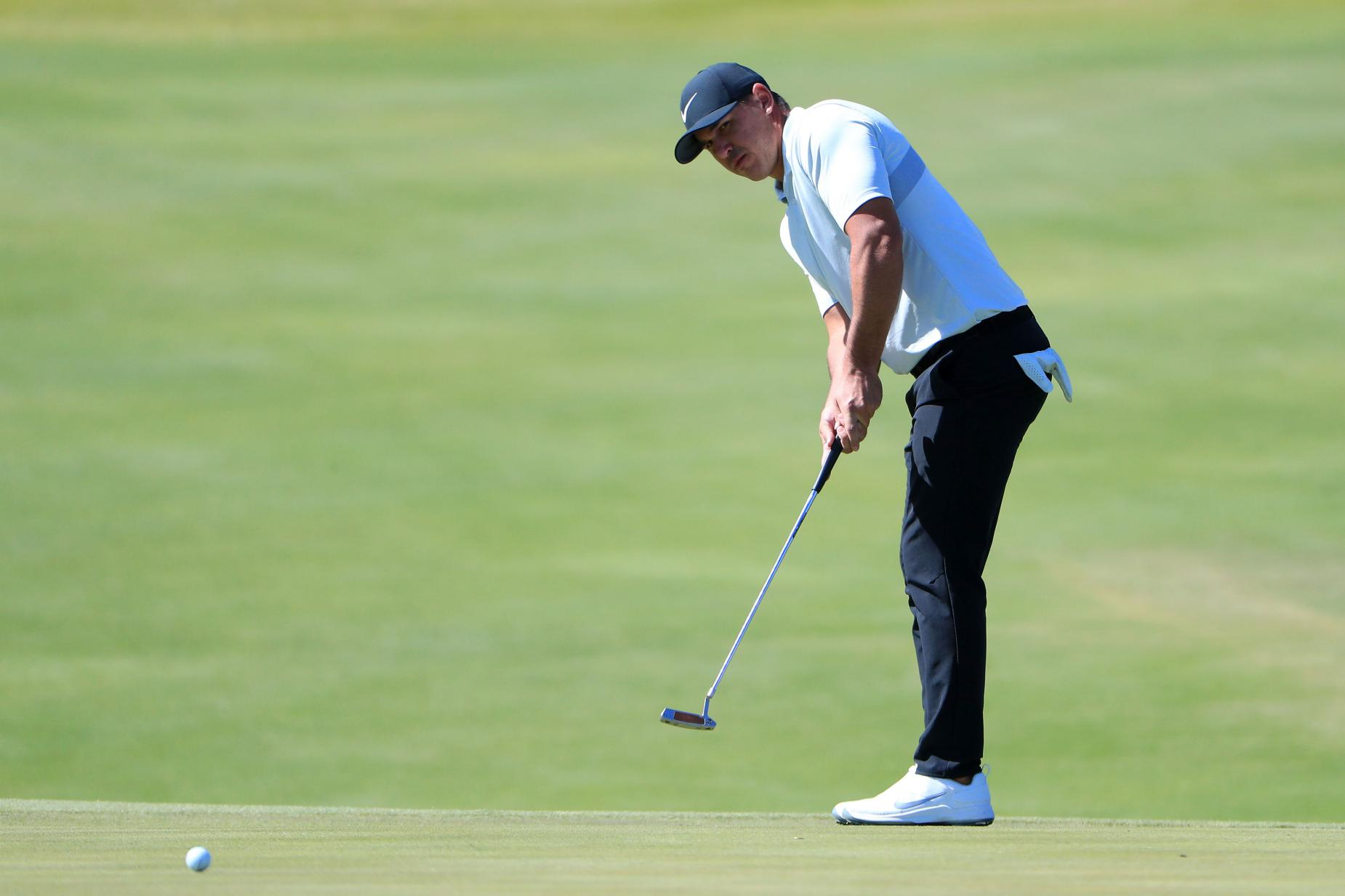 brooks-koepka-shriners-2019-putting.jpg