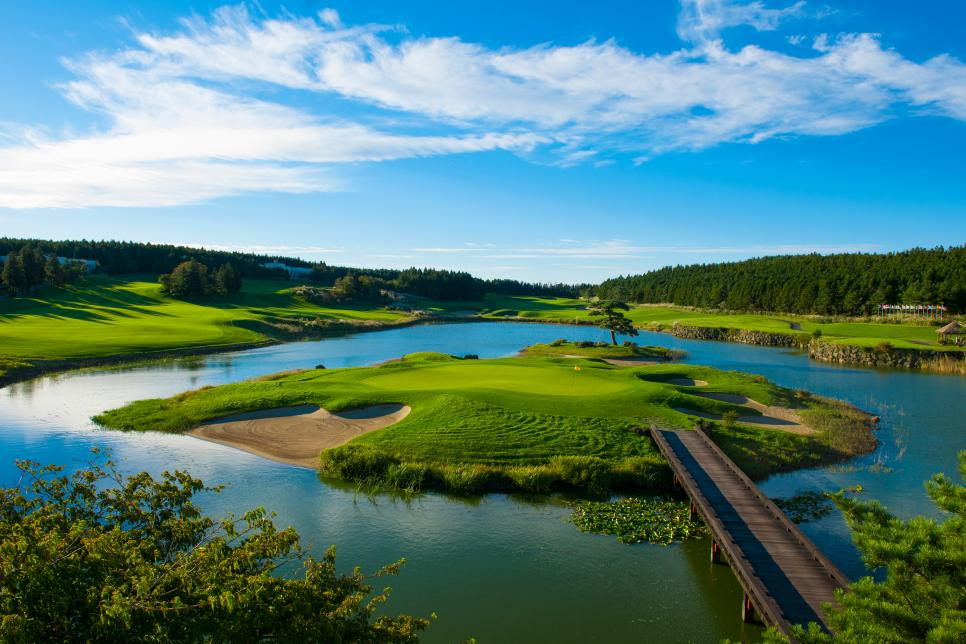 Jeju Nine Bridges island green.jpg