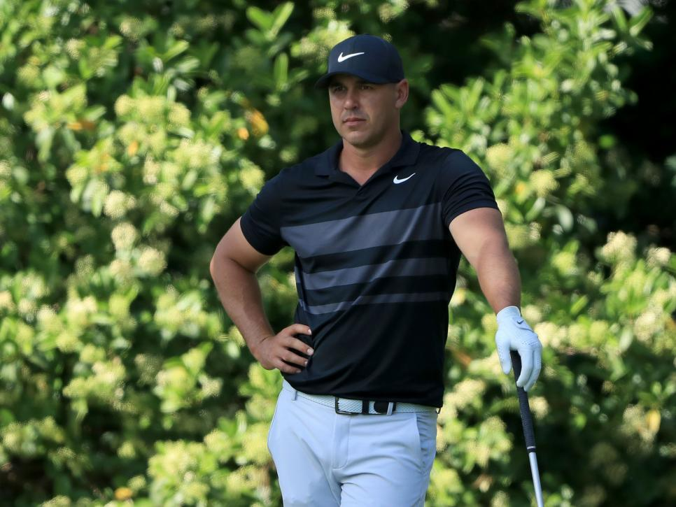 brooks-koepka-players-2020-thursday-standing-on-tee.jpg