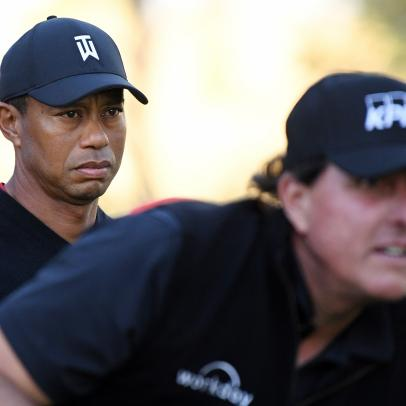 Tiger-Phil match 2020 odds: Does Phil Mickelson's motivation outweigh Tiger Woods' home-course advantage?