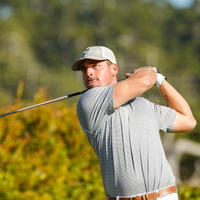 Amid shocking flameouts in U.S. Amateur, Alabama golfer chases history and 42-year-old keeps on swinging
