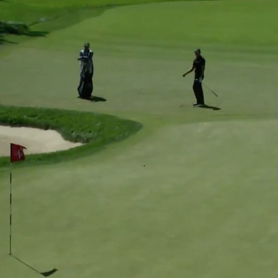 U.S. Open 2020: Patrick Cantlay just got one of the worst bounces off a flagstick you'll ever see