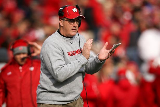 Wisconsin head coach Paul Chryst had an all-time self own when discussing his love for crew neck sweatshirts