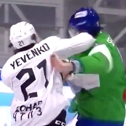 This one-punch KHL KO might be one of the best hockey haymakers ever