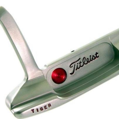 Tiger Woods' backup putter from 2001 collects more than $150,000 at auction