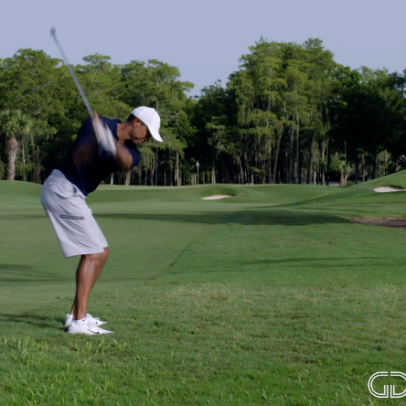 How Tiger Woods makes playing from deep rough look easy