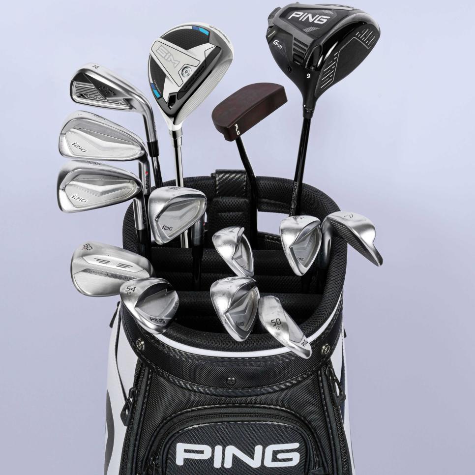 https://golfdigest.sports.sndimg.com/content/dam/images/golfdigest/fullset/2021/2/newhovbag.jpg.rend.hgtvcom.966.966.suffix/1614100871391.jpeg