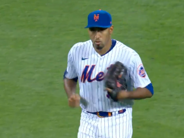 Edwin Diaz is back and apparently so is his hilarious entrance music