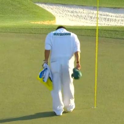 Masters 2021: Hideki Matsuyama's caddie found a touching way to celebrate their win on the 18th green