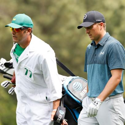 Masters 2021: Jordan Spieth's caddie, Michael Greller, shaved ALL his facial hair before the final round, looks like a different person