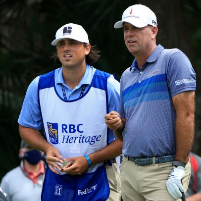 Stewart Cink follows one bad shot with 62 good ones to get in contention at Harbour Town