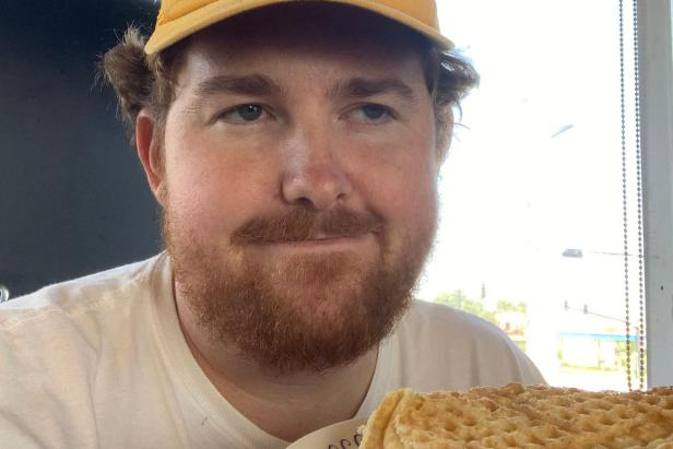 This guy spent 24 hours in a Waffle House as punishment for finishing last in his fantasy football league and the Twitter thread is a white-knuckle thrill ride