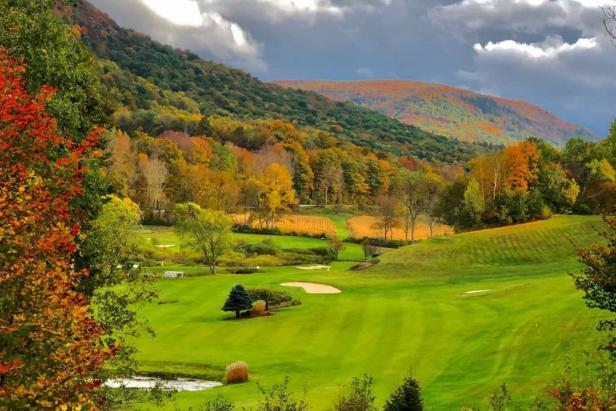 This epic 575-acre Vermont Airbnb comes with its own private golf course